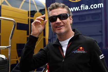 Coulthard le tira de las orejas a Lewis Hamilton