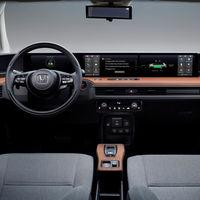 Así es el interior digital del Honda e: un coche eléctrico con cinco pantallas y retrovisores por cámara