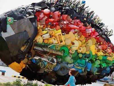 Para 2050, habrá más plástico en el océano que peces (si no hacemos nada)