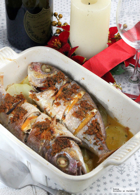 Besugo al horno con patatas panadera: la receta tradicional navideña