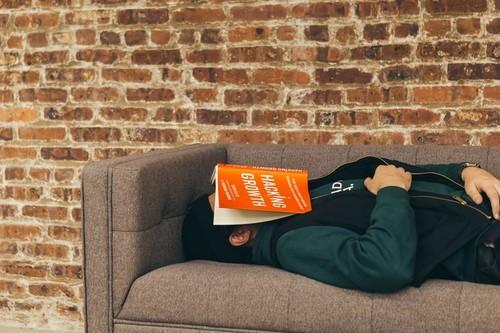 Apnea del sueño, uno de los trastornos más comunes: estas son sus causas, síntomas y tratamiento