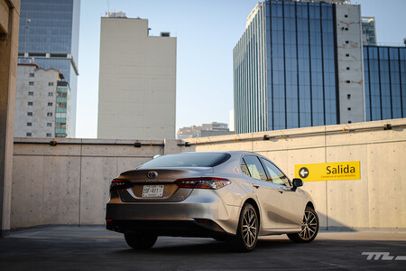 Toyota Camry Hybrid 2021 Prueba De Manejo Opiniones 32