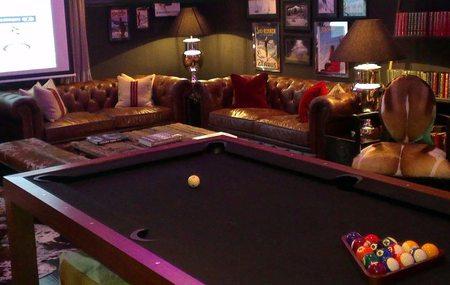 Hotel El Lodge en Sierra Nevada Mesa Billar en el Lounge