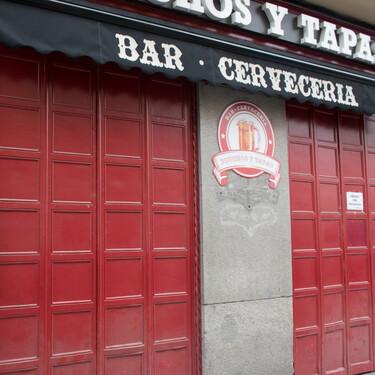 """Las restricciones y ayudas a la hostelería, muy desiguales, se ceban con el Bar Manolo: """"El negocio familiar, sin local en propiedad, va a desaparecer"""""""