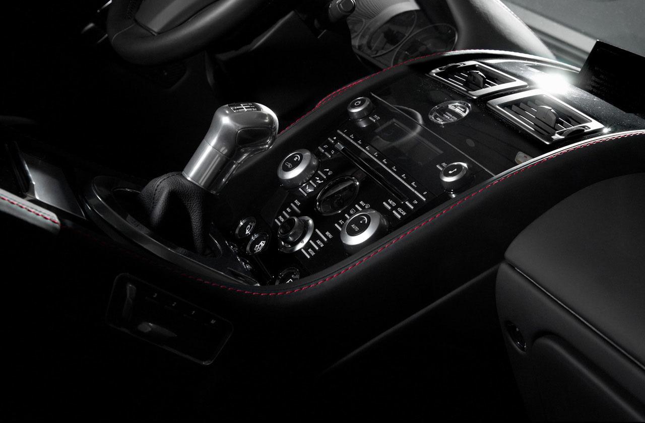 Foto de Wheelsandmore Aston Martin DBS Carbon Edition (12/14)