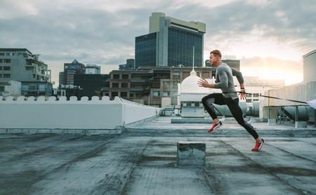 Las ventajas del entrenamiento cruzado en corredores: así puedes mejorar como runner practicando otros deportes