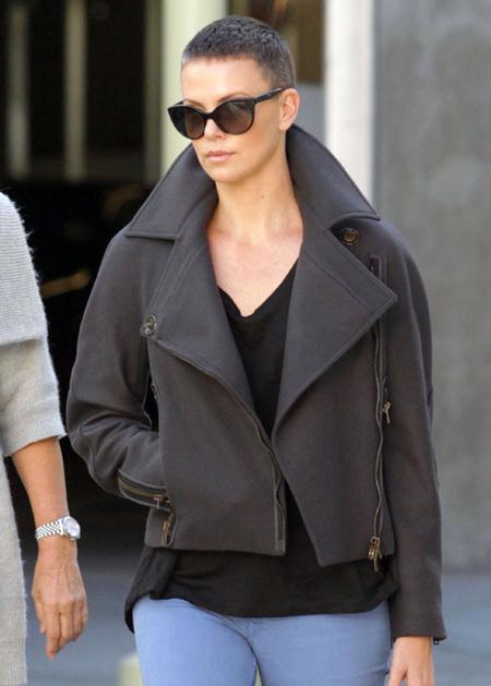 Charlize Theron cambio de look