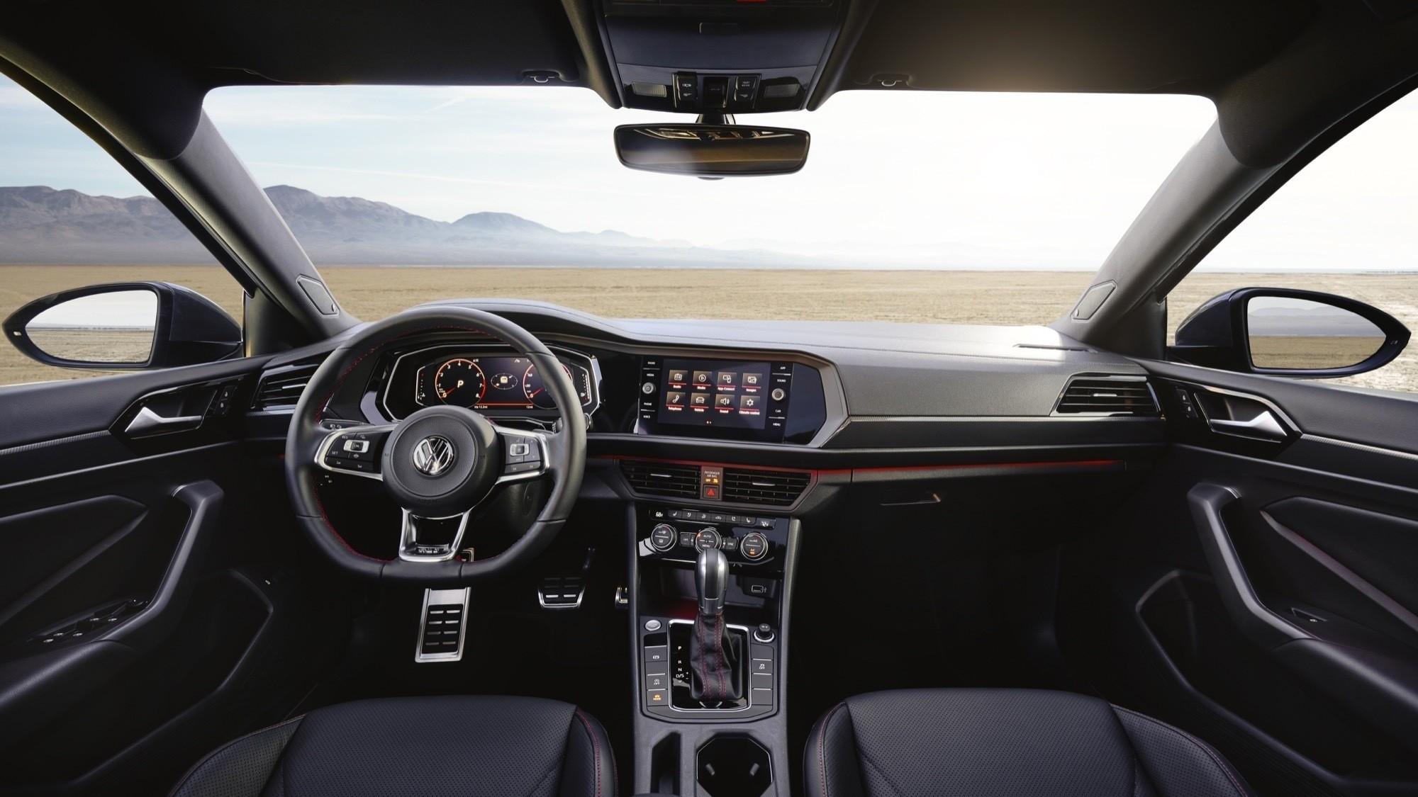 Foto de Volkswagen Jetta GLI 2020 (23/27)