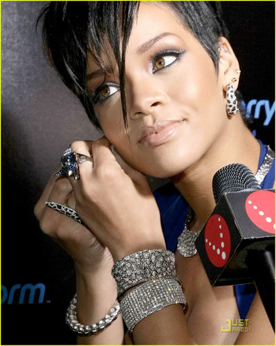 Rihanna fiesta pre Grammy