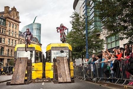 Urban Trial en Manchester, otra forma de hacer trial por Red Bull