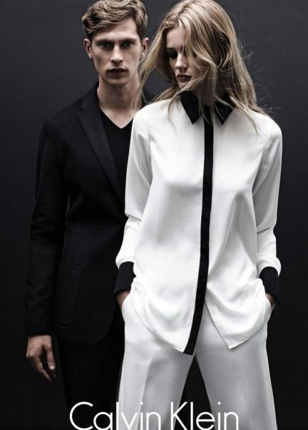 Calvin Klein White Label Otoño-Invierno 2012/2013. Una campaña en la que reina el blanco y negro