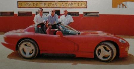 Nueve coches de famosos a la española