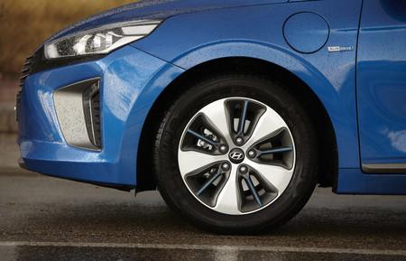 Hyundai IONIQ híbrido enchufable, prueba contacto