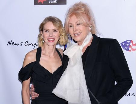 Naomi Watts y Zendaya deslumbran con su estilo en la alfombra roja de los American Australian Association Awards