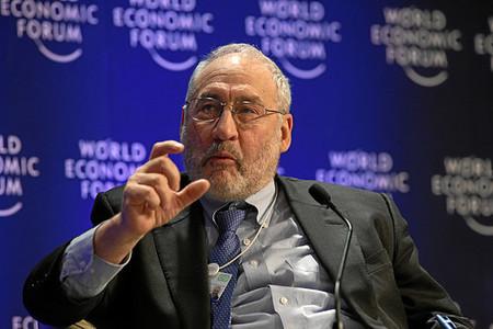 """Stiglitz: """"la economía sigue en peligro"""""""