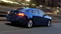 "2013 Buick Verano Turbo, 250 caballos para los ""states"""