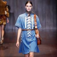 Clonados y pillados: el vestido denim de Gucci que se coló en Suiteblanco