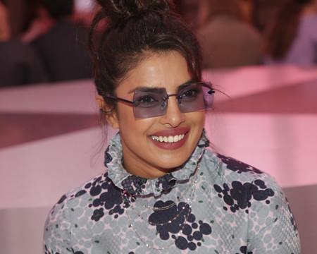 Priyanka Chopra está on fire: protagonizará una película basada en 'Wild, Wild Country' y estrenará una comedia en Netflix