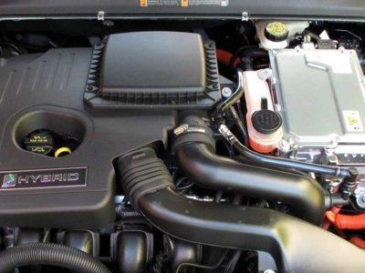 Ford podría construir un auto híbrido en México