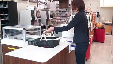 Panasonic también quiere eliminar al empleado de la tienda: su TPV te cobra y embolsa la compra