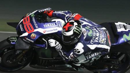Jorge Lorenzo vuelve a dominar con autoridad en el arranque del último test de MotoGP