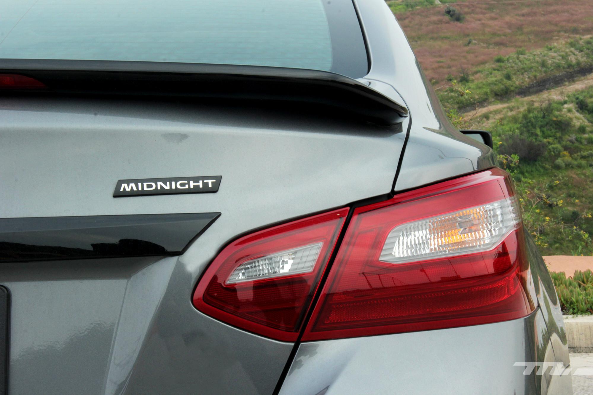 Foto de Nissan Altima y Máxima Midnight Edition (12/18)