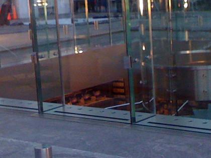iMacs en el interior de la tienda