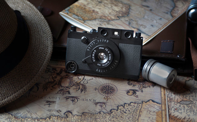 Gizmon Leica iPhone case
