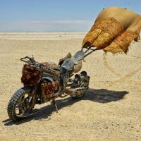 La hiperdeportiva con toldo. Una Yamaha YZF-R1 del desierto