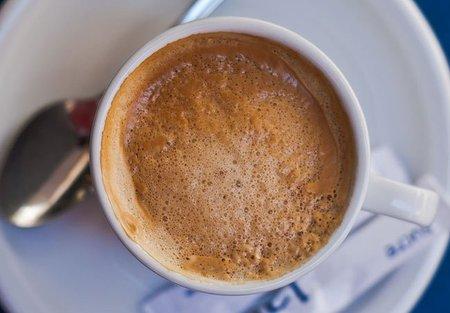 Quiero que mi cortado tenga crema de café, no espuma de leche