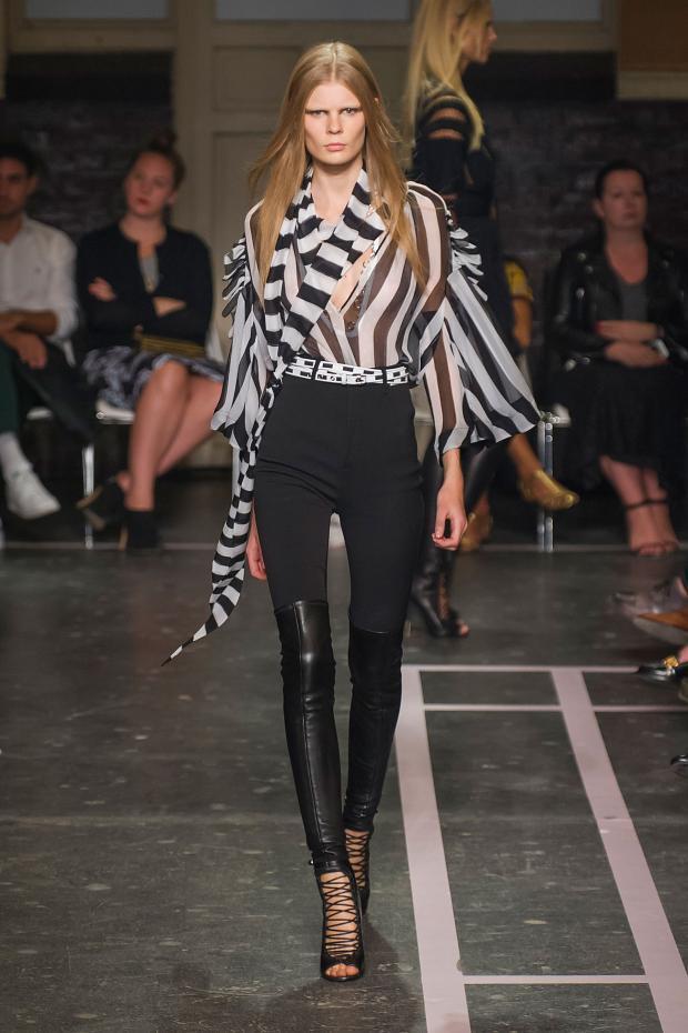 Foto de Givenchy colección Primavera-Verano 2015 (7/58)