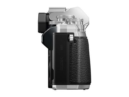 Om D E M10 Mark Iii Silver Product 270