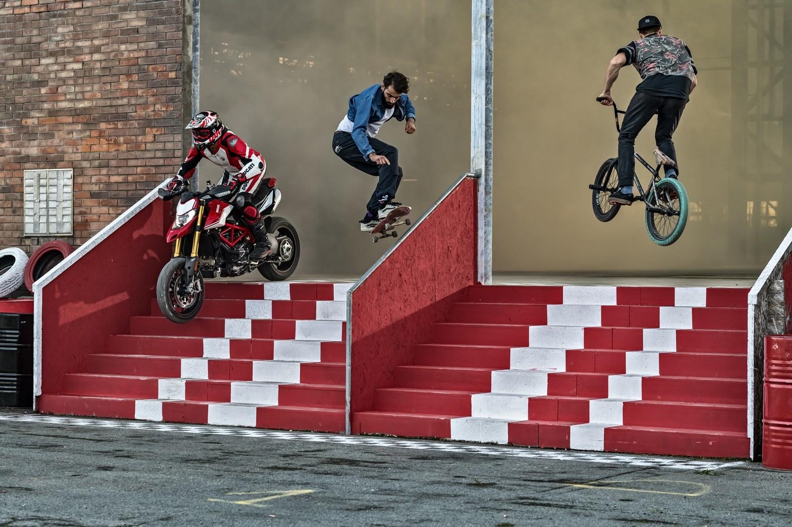 Foto de Ducati Hypermotard 950 2019 (29/76)