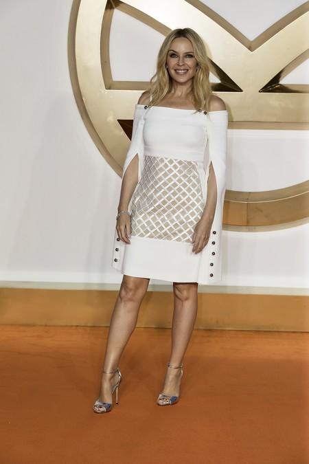 premiere kingsman circulo dorado actrices celebrities alfombra roja look estilismo outfit Kylie Minogue