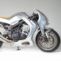 Si Iron Man se preparase una moto vieja posiblemente sería esta Triumph Speed Triple vestida de aluminio