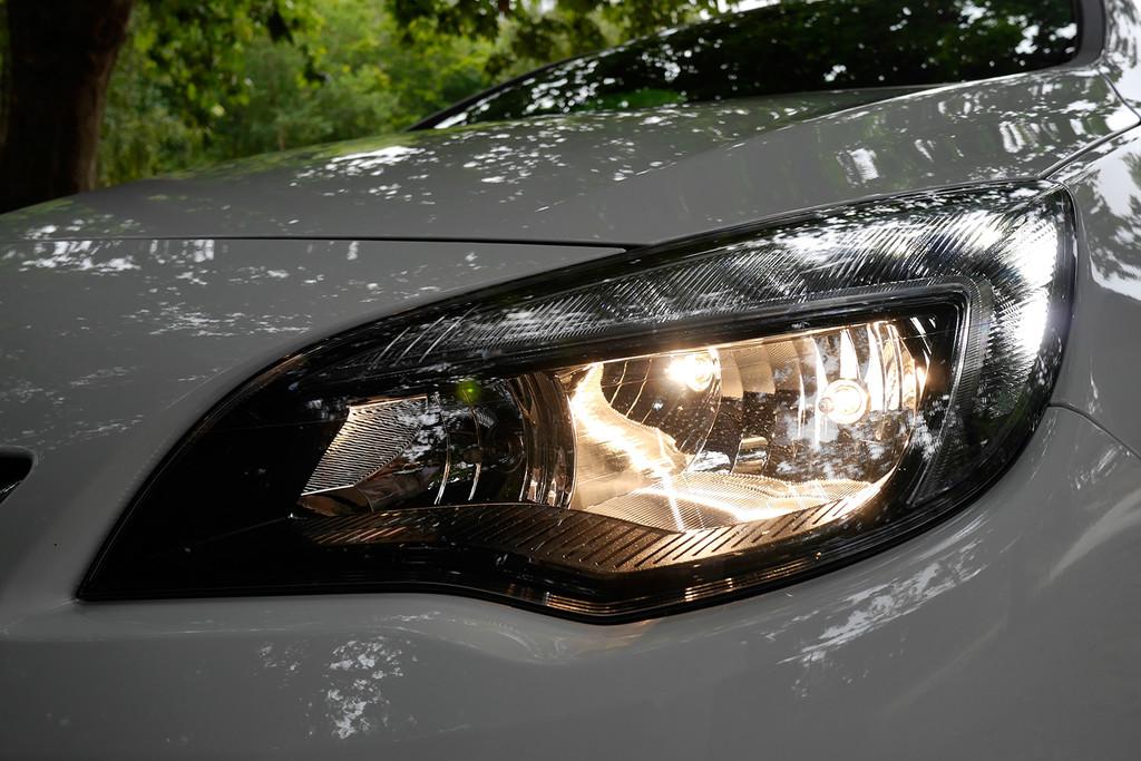 Faro Opel Astra