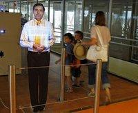 Hologramas en el aeropuerto de París