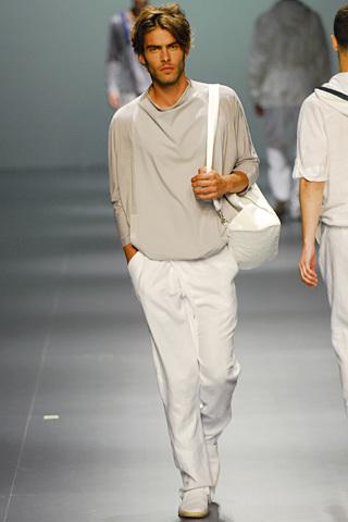 Foto de Adolfo Dominguez, Primavera-Verano 2010, en la Cibeles Fashion Week (11/11)