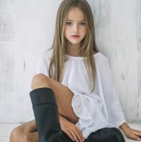 El caso de Kristina Pimenova: es la niña más guapa del mundo y recibe cientos de críticas