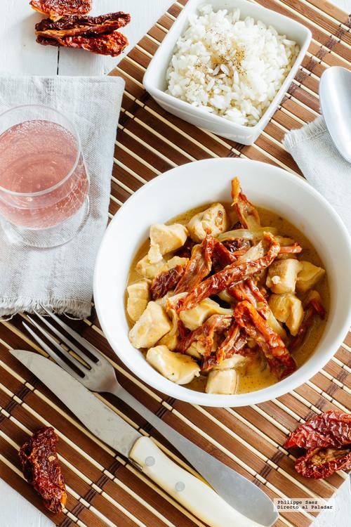 Pollo salsa con jitomate deshidratado. Receta fácil y deliciosa