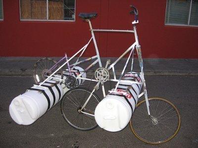 Bicicleta acuática con motor humano