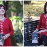 """""""La reina Isabel II de Borbón es la persona más biografiada de España y la más desconocida"""". Entrevista a Soledad Galán"""
