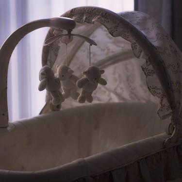 """""""Cuando llegué a casa tuve que enfrentarme a una cuna vacía"""", las dolorosas palabras de una madre que perdió a su bebé durante el parto"""