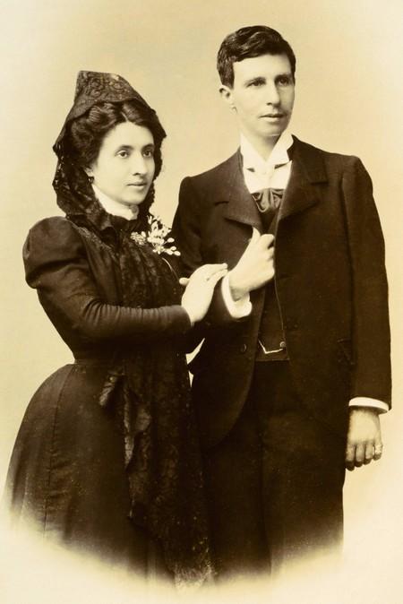 Ya se puede reservar el tour que revive la historia de amor de Elisa y Marcela por las calles coruñesas