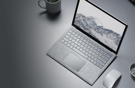 El Posible Surface Laptop En Color Negro Podria Haber Aparecido