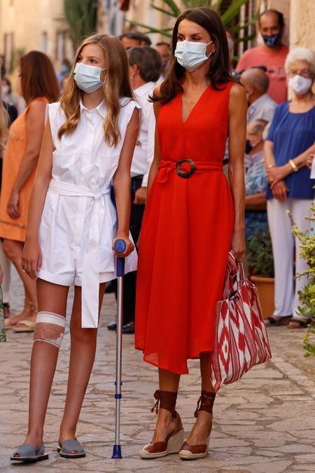reina Letizia la princesa Leonor y la infanta Sofía mallorca