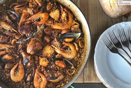 Receta de paella mixta: el arroz español más internacional