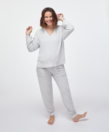 https://www.oysho.com/es/mum/bata-maternity-topitos-c1010439520p102434040.html?colorId=144&typeCategory=0
