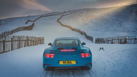 Porsche 911 Turbo S Azul