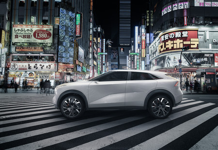 El prototipo del SUV eléctrico de Infiniti se adelanta a Detroit con sus primeras imágenes